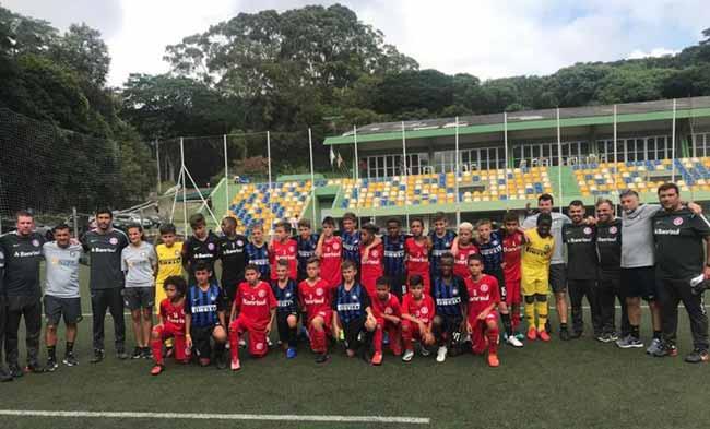 Após empate em 2 a 2 no tempo normal Sub 12 venceu o PSG nos pênaltis - Inter Sub-11 e Sub-12 disputam amistosos contra Inter de Milão e PSG