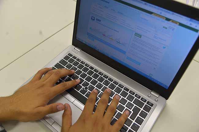 Autônomos e trabalhadores rurais devem se cadastrar no site da Receita - Autônomos e trabalhadores rurais devem se cadastrar no site da Receita