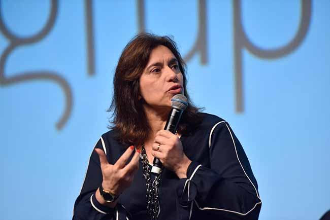 Carla Tieppo - Os vícios tecnológicos nas empresas