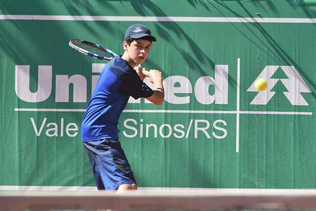Cleon10 - Copa Unimed VS de Tênis segue até sábado em Novo Hamburgo