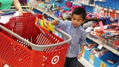 Compra material escolar 390x220 - Crianças devem acompanhar a compra do material escolar