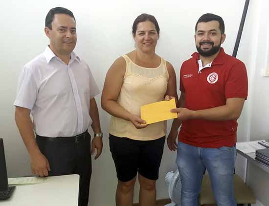 Consulado em Marmeleiro PR faz doação para APAE local - Inter 2019- Notícias dos consulados