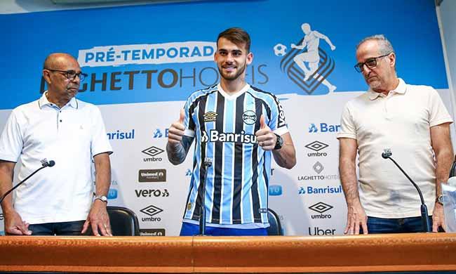 Felipe Vizeu no Grêmio - Felipe Vizeu é apresentado oficialmente pelo Grêmio