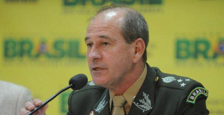 Fernando Azevedo e Silva - Ministro quer regras diferenciadas para militares na reforma da Previdência