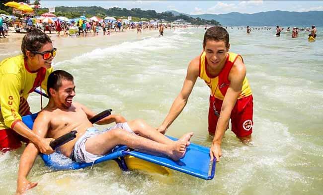 Florianópolis é exemplo em inclusão social na temporada de verão - Florianópolis é exemplo em inclusão social na temporada de verão