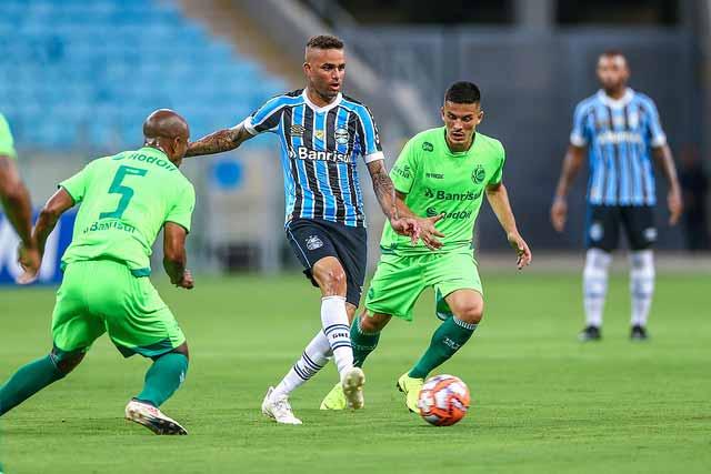 Grêmio estreia na Arena com goleada sobre o Juventude 3 - Grêmio estreia na Arena com goleada sobre o Juventude