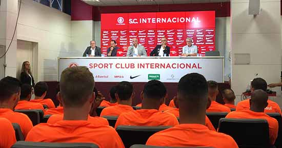Grupo colorado se reapresenta para a pré temporada 2019 1 - Elenco do Inter se reapresenta para a pré-temporada 2019