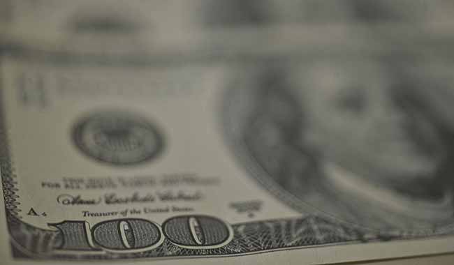 Ibovespa fecha em alta de 041 dólar cai para R 365 - Ibovespa fecha em alta de 0,41%; dólar cai para R$ 3,65