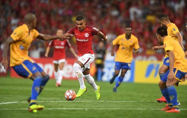 Inter surpreendido pelo Pelotas no Beira Rio 1 - Inter perde para o Pelotas no Beira-Rio pelo Gauchão