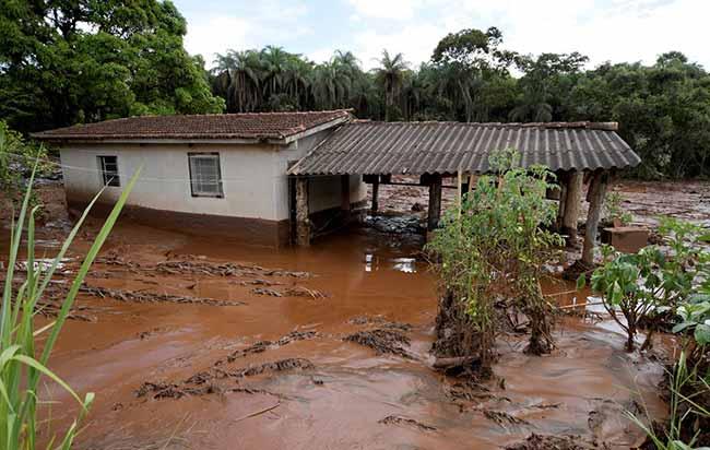 Justiça de Minas bloqueia R 11 bilhões da Vale - Justiça de Minas bloqueia R$ 11 bilhões da Vale para ressarcir danos