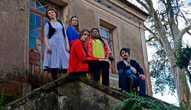 KECVFzab - Pátria Estrangeira/Fremde Heimat terá sessões no teatro do Goethe-Institut Porto Alegre