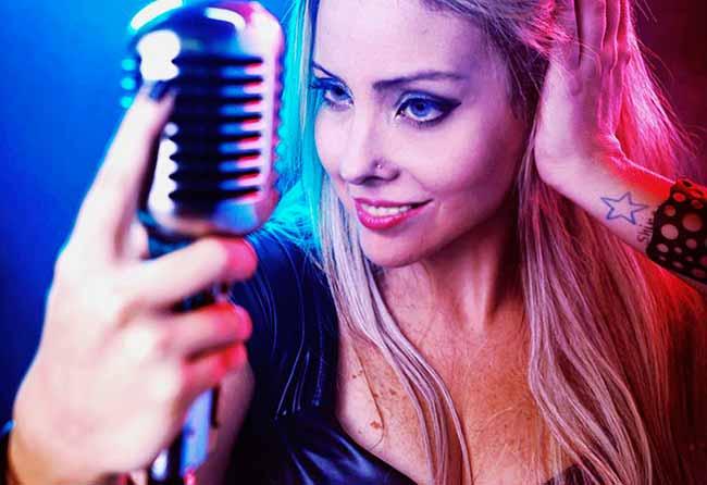 Manni Moritz - Manni Ortiz canta Amy Winehouse na Casa de Cultura Mario Quintana