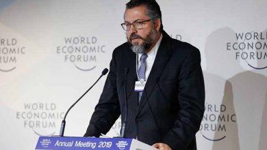 Ministro Ernesto Araújo 390x220 - Davos: Ministro diz que Brasil defenderá a liberdade na internet