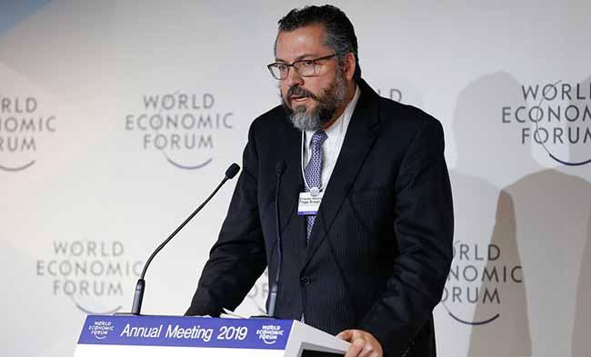 Ministro Ernesto Araújo - Davos: Ministro diz que Brasil defenderá a liberdade na internet