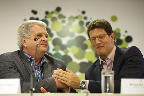 O ministro do Meio Ambiente Ricardo Salles dá posse ao novo presidente do ICMBio Adalberto Eberhard - Adalberto Eberhard é o novo presidente do ICMBio