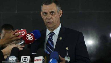 O porta voz da Presidência da República Otávio do Rêgo Barros 390x220 - Após cirurgia, Bolsonaro passa o dia em repouso em São Paulo