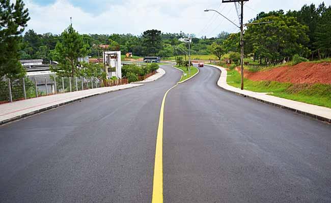 Obras na João Aloysio Allgayer 1 - Estrada de acesso à área central de Lomba Grande é revitalizada