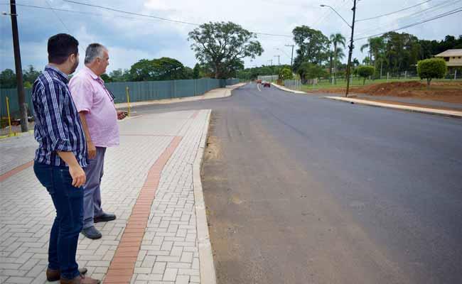 Obras na João Aloysio Allgayer 2 - Estrada de acesso à área central de Lomba Grande é revitalizada