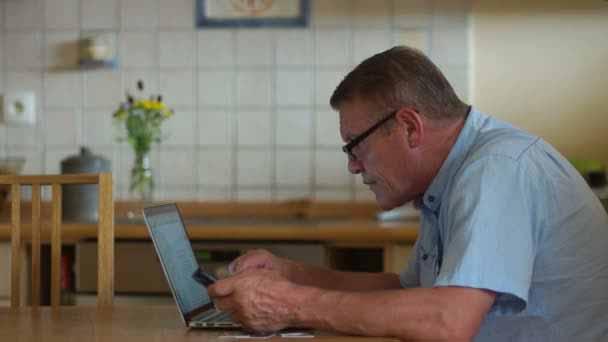 Pesquisa sobre doenças na internet - Pacientes com doenças graves recorrem à internet para ajudar no tratamento e na rotina