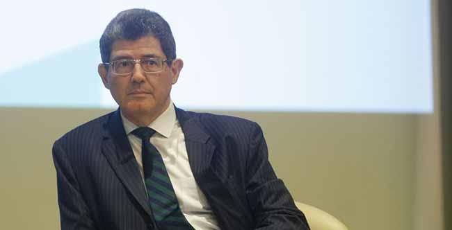 Presidente do BNDES defende foco em empresas médias - Joaquim Levy quer foco do BNDES em empresas médias