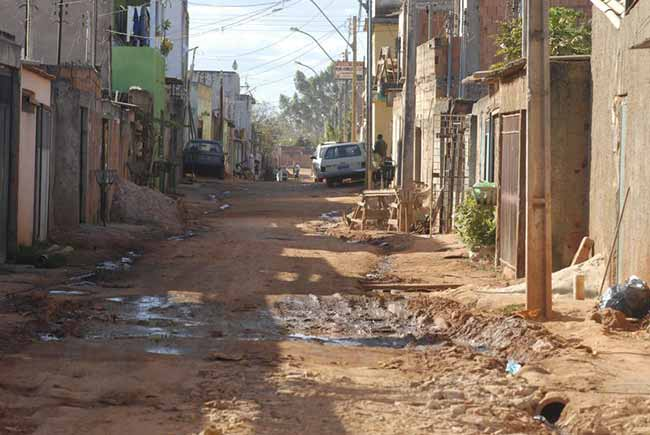 Relatório da Oxfam mostra que patrimônio dos 26 mais ricos do mundo equivale ao dos 38 bilhões mais pobres - Fortuna das 26 pessoas mais ricas do mundo é igual ao da metade mais pobre