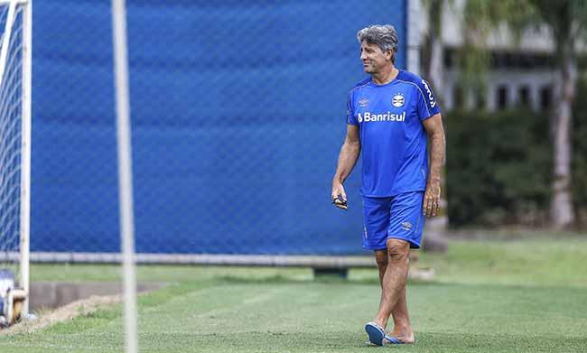 Renato acompanha treino do Grêmio - Renato Portaluppi acompanhou treino na tarde de ontem (08)