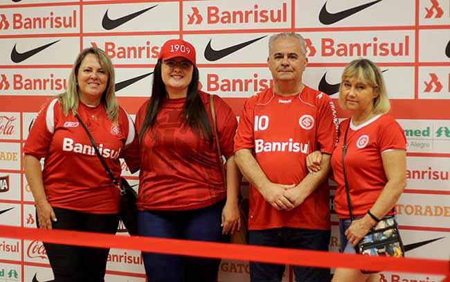 Sócios do Inter conheceram a zona mista do Beira Rio - Sócios visitam zona mista do Beira-Rio no pós-jogo de Inter x Pelotas