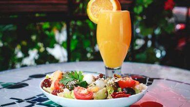 Salada com Suco 390x220 - Confeitaria Barcelona amplia horário de funcionamento durante o verão