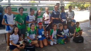 Tenistas do RS SC e PR comemoram títulos na Copa Unimed VS 390x220 - Tenistas do RS, SC e PR comemoram títulos na Copa Unimed VS
