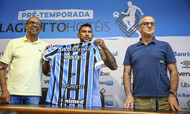Wlanter Montoya é apresentado oficialmente pelo Grêmio - Grêmio apresenta oficialmente o meia Montoya