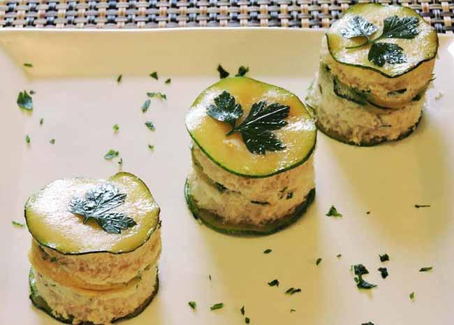 abobri - Canapé de abobrinha com creme de ricota e gorgonzola