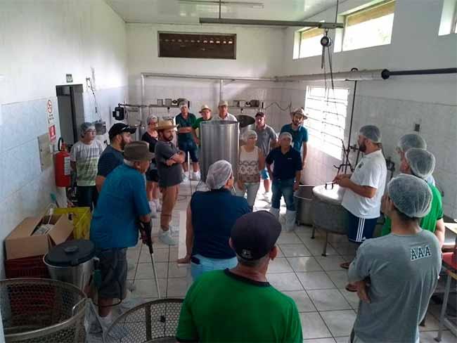 agicult ivoti - Agricultores de Ivoti visitam agroindústrias do Litoral Norte