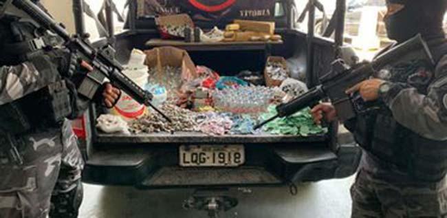 apreensão de drogas em operação no Rio de Janeiro - Polícia faz operação em favela no Rio e apreende 400 quilos de drogas