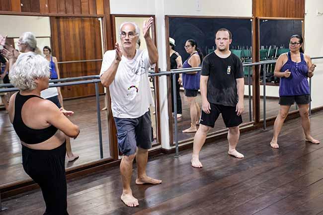 aula canoas - Oficina Popular de Teatro acontece em Canoas todas as quartas-feiras
