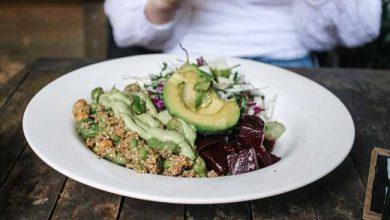 dietadet 390x220 - Que alimentos fazem parte de uma dieta detox?