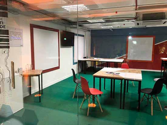 ensino superior em shopping center de Florianópolis 2 - UniAvan inaugura primeira unidade de ensino superior em Florianópolis