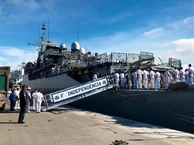 fragata - Embarcação da Marinha atraca em Rio Grande e terá visitação no sábado
