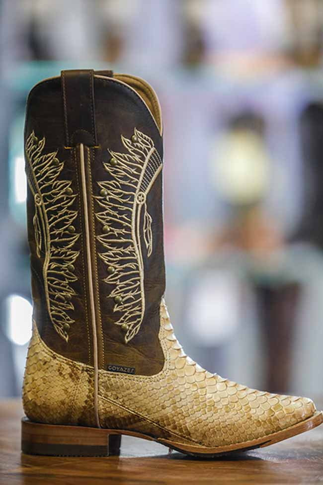 goyazes - COUROMODA 2019: botas Western são tendência para o outono-inverno