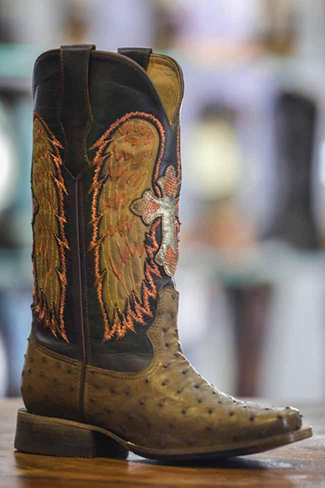 goyazes2 - COUROMODA 2019: botas Western são tendência para o outono-inverno
