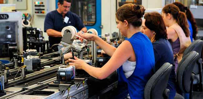 indust3 - Indústria recua em 9 dos 15 locais pesquisados pelo IBGE