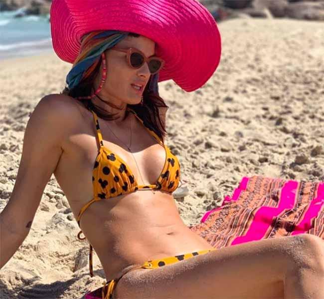 isabeli fontana web  - ÁGUA DE COCO por Liana Thomaz apresenta looks para o verão