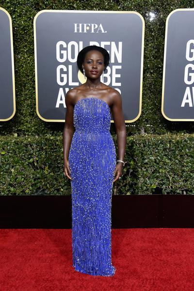 lupita nyong o calvin klein - Celebridades vestiram Calvin Klein no 76º Golden Globe Awards