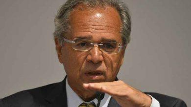 """ministro da Economia Paulo Guedes 390x220 - """"A Caixa foi vítima de saques e assaltos de recursos públicos"""", afirma Paulo Guedes"""