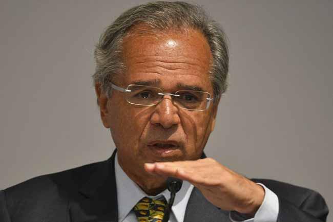 """ministro da Economia Paulo Guedes - """"A Caixa foi vítima de saques e assaltos de recursos públicos"""", afirma Paulo Guedes"""