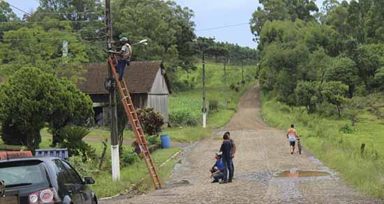município de Salvador do Sul instalação fibra óptica 4 - Salvador do Sul recebe novos veículos para a agricultura