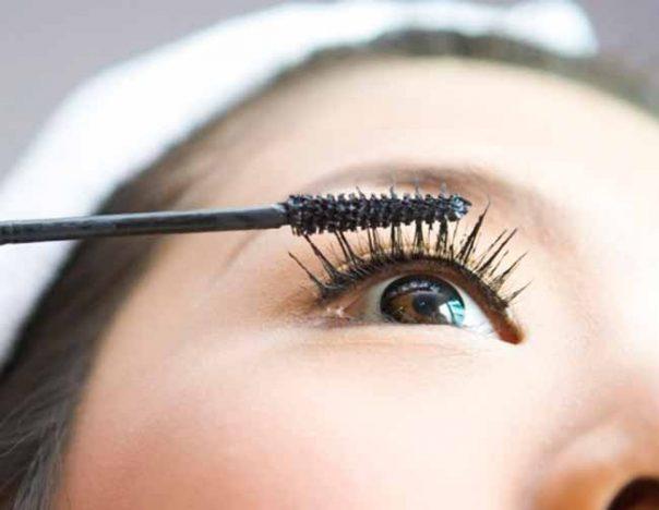 olh 1 604x468 - Saiba como guardar as maquiagens para durarem mais