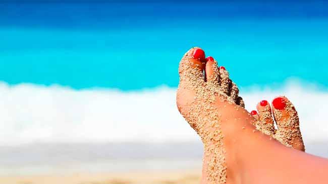 pe 1 - Cuidados com os pés no verão