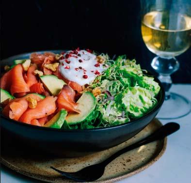 sald3 - Salada de avocado com salmão defumado