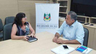 secretária de educação Maristela em reuniao com Faisal Karam 390x220 - Maristela Guasselli se reúne com secretário estadual de Educação