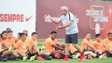 trabalho tático no Inter 2 390x220 - Odair Hellmann passa orientações táticas aos jogadores do Inter